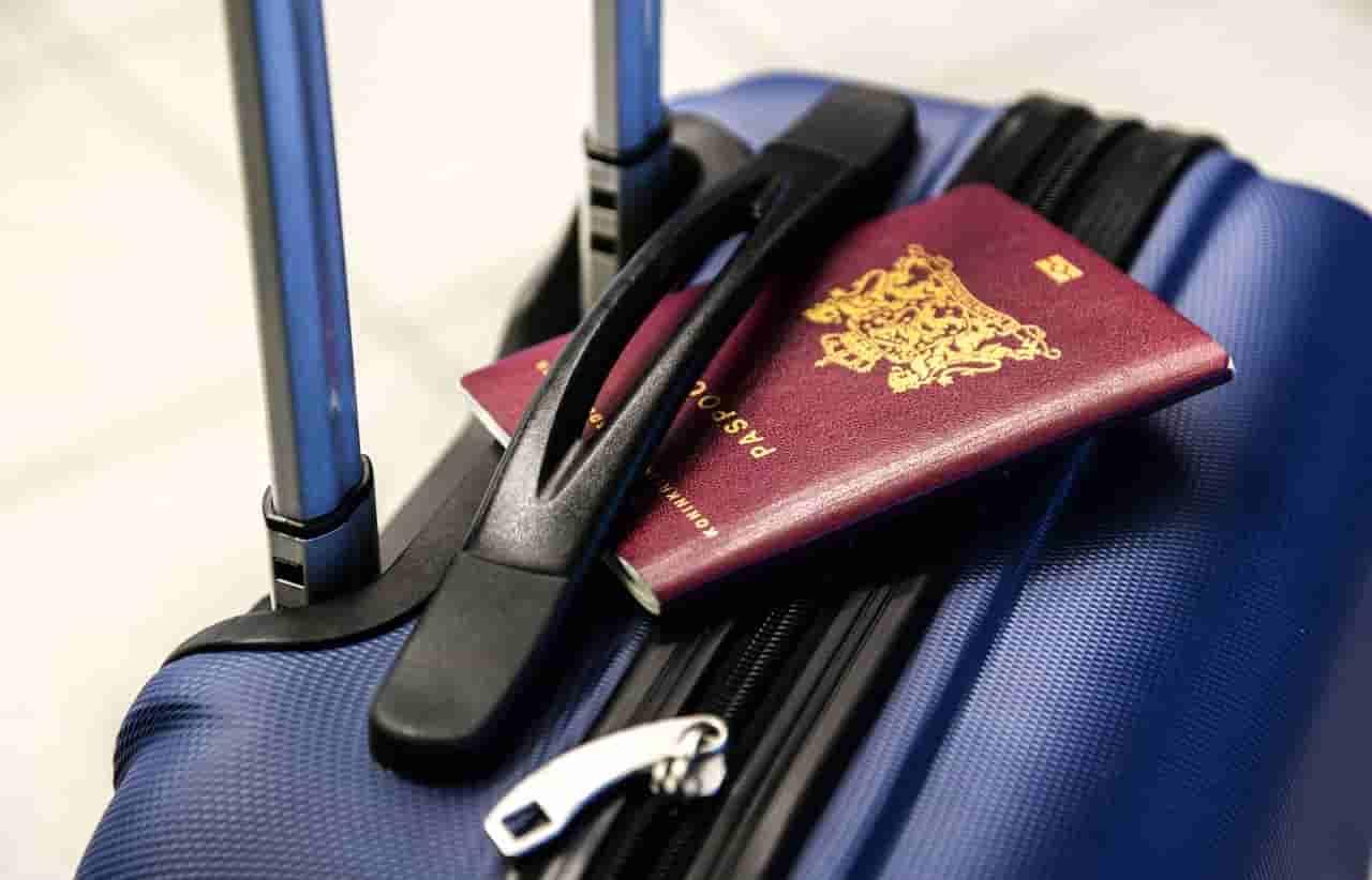 valise-passeport-aeroport-de-nice